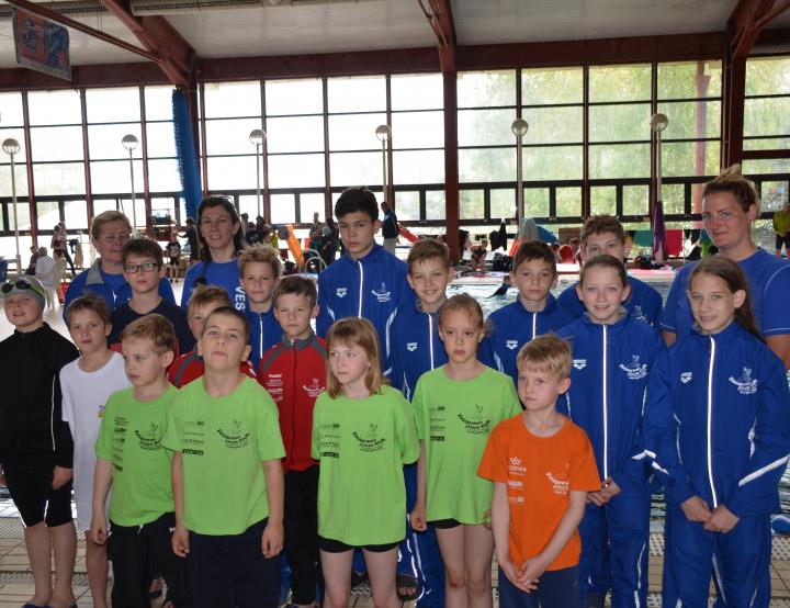 Korosztályos úszóverseny Székesfehérváron